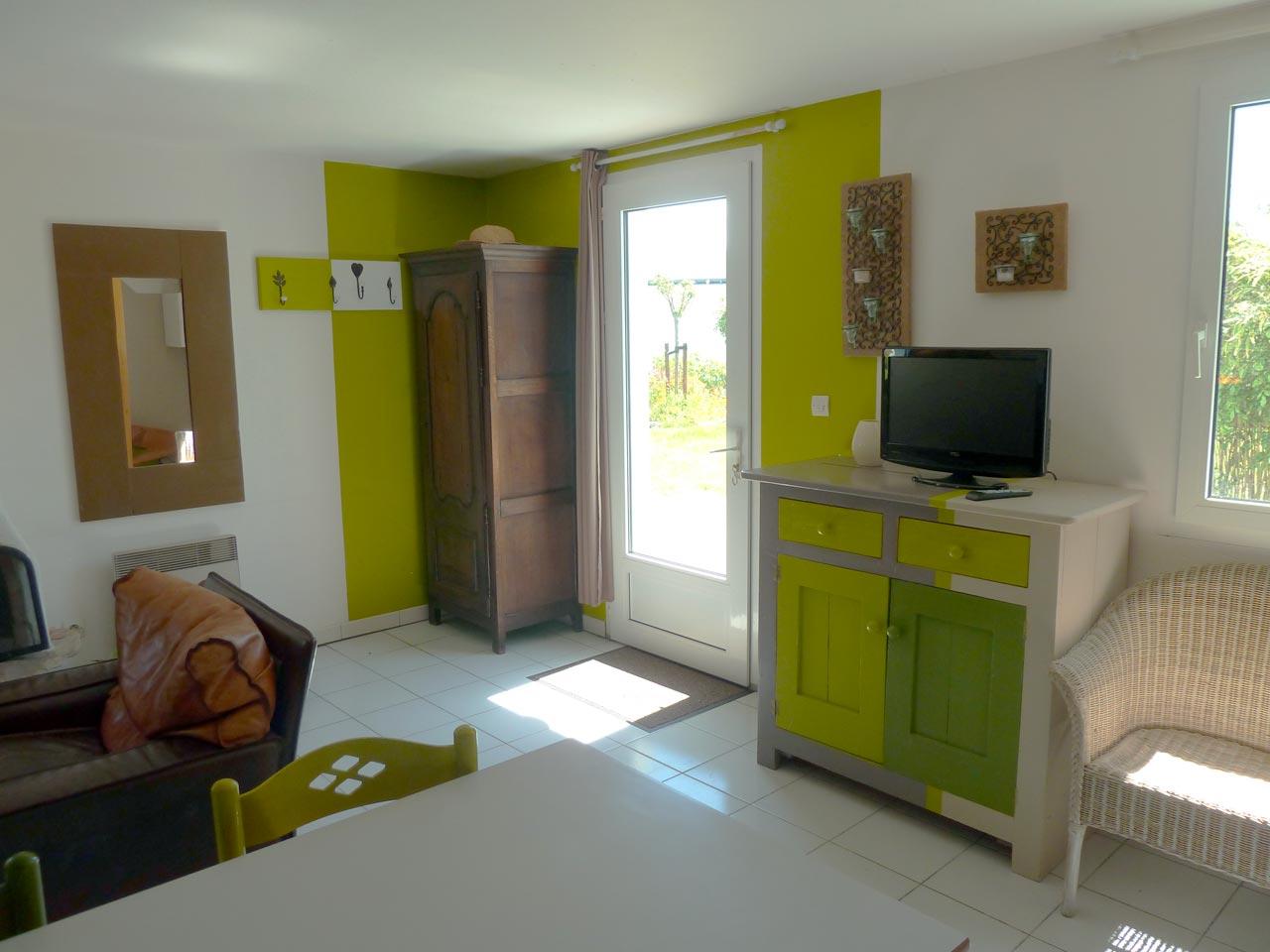 Maison keroyan est meubl louer belle le en mer for Maison meuble a louer